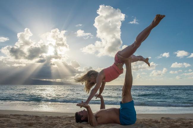 partner yoga sunburst