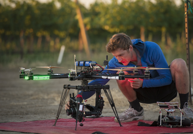 Sean Haverstock prepping the free fly cinestar movi m5 rc heli with panosonic gh4 4k camera.