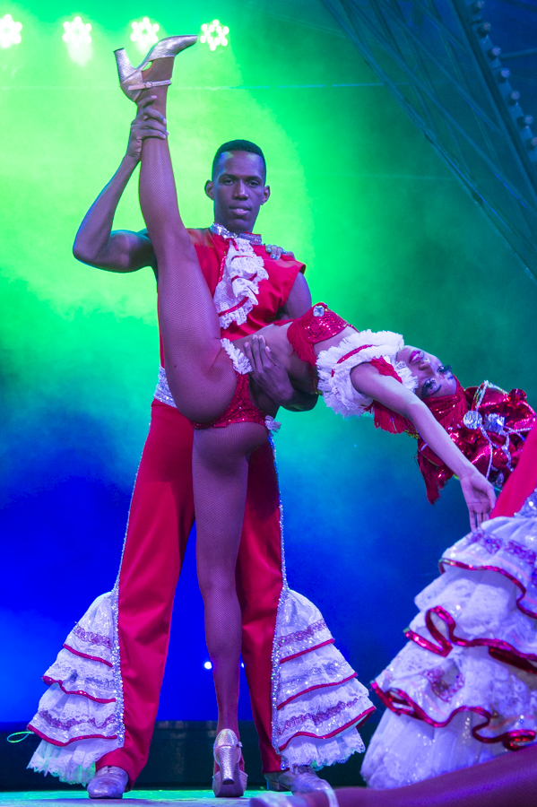 Tropicana performers